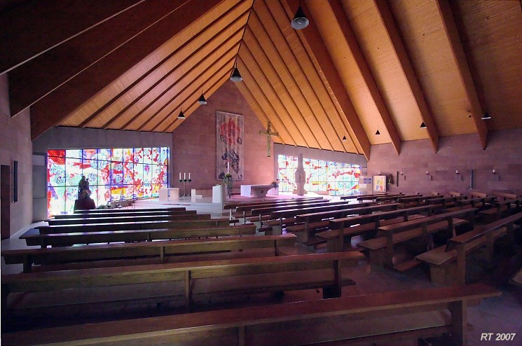 Minimalist design church and design on pinterest for Interior design freiburg